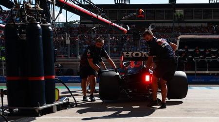 フェルスタッペン、F1イギリスGPのクラッシュの影響でエンジン(PU)交換