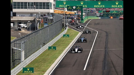ウィリアムズのラッセル、ピットレーンでごぼう抜き@F1ハンガリーGP
