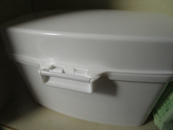 ASKULのトイレ掃除シート入れが便利 (2)