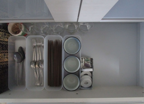滑らないらない食器棚・キッチンシート (4)