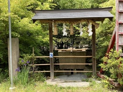 丹生官省符神社の手水舎