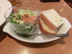 パンとサラダ カフェトレジャー記事