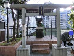 徳船稲荷神社 新川散策5