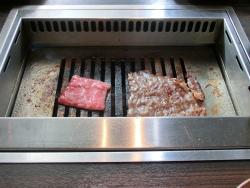 肉を焼く 銀座うしごろ記事