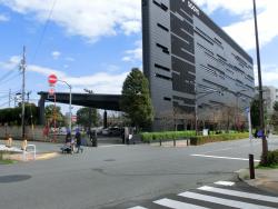 日の丸自動車のビル 三田用水散策7