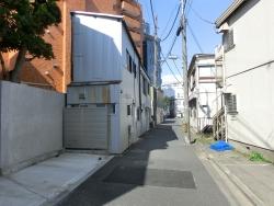 細い家並み2 三田用水散策8