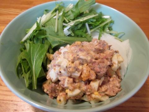 水菜とサンマ缶のサラダ2