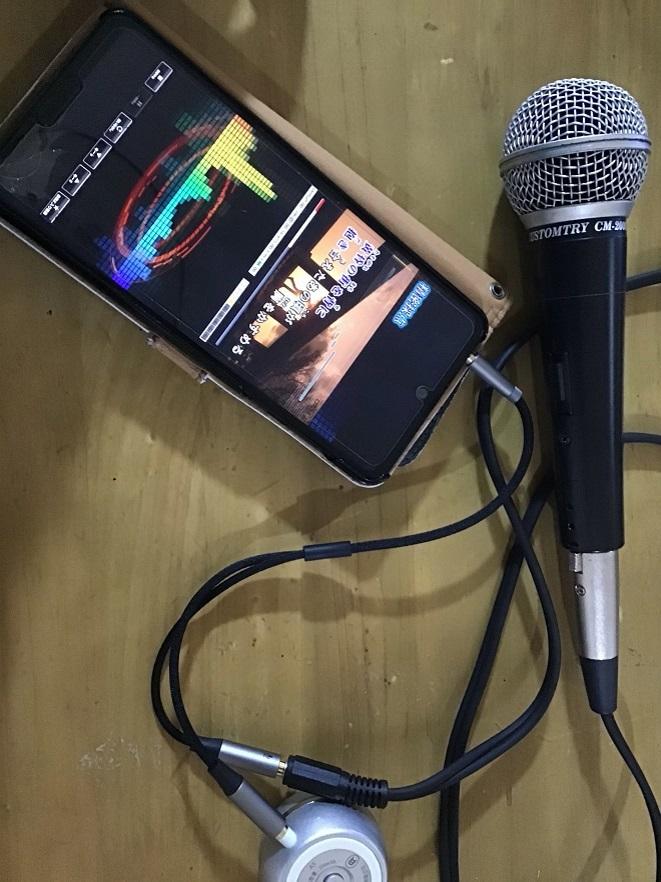 speaker8.jpg