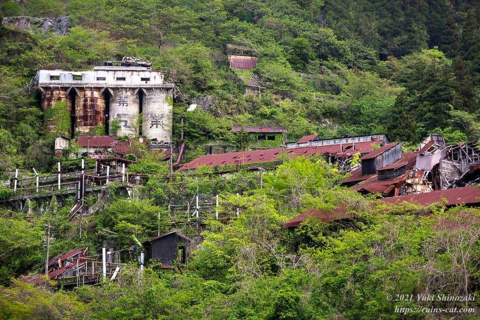 白石鉱山(白石工業桑名工場) 上部全景