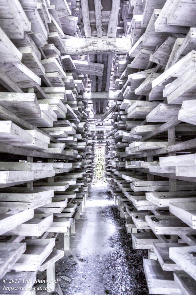 石灰の乾燥施設の内部