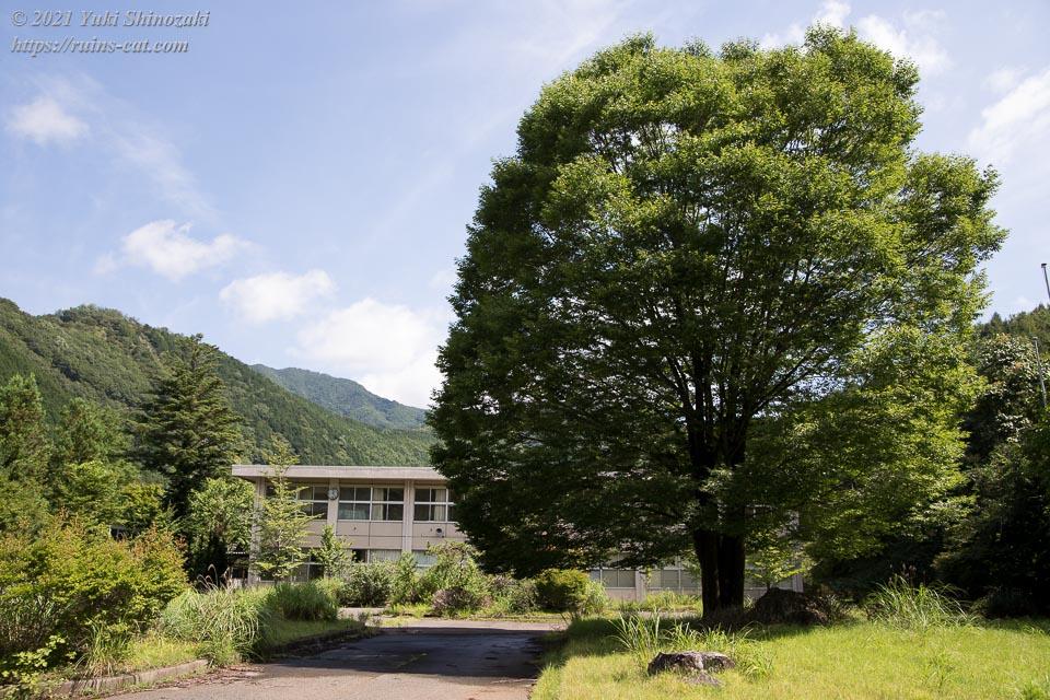 足尾高等学校 校舎外観