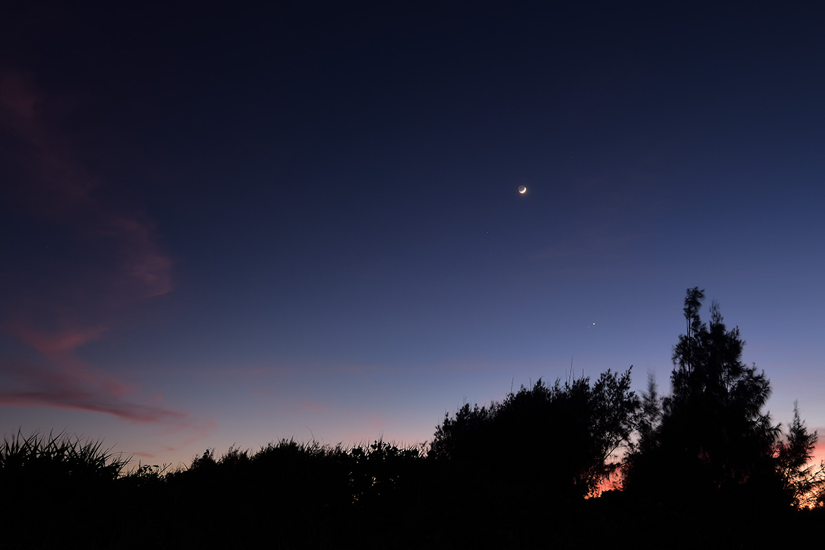 moon_venus_mars_210713_d810a_3525_1200.jpg