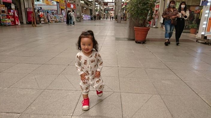 202105愛娘ちゃん初めての大街道散歩 (2)