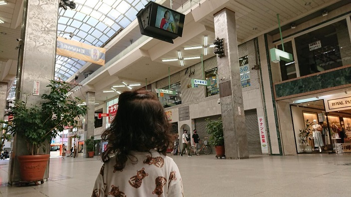 202105愛娘ちゃん初めての大街道散歩 (4)