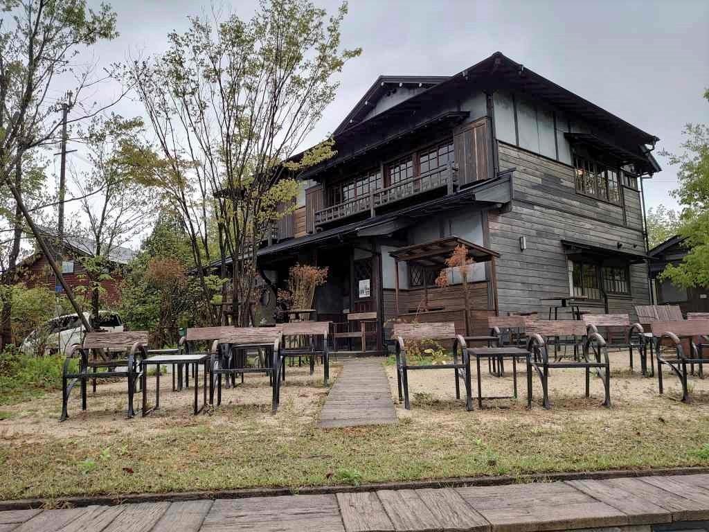「ゆふいん文学の森(大分県由布市)」太宰治が下宿した碧雲荘は一日ゆっくり過ごしたいカフェ併設の素敵空間