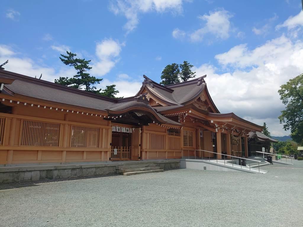 「阿蘇神社(熊本県阿蘇市)」2021に拝殿再建が竣工!味わい深い門前町商店街のまちなみと水基めぐり
