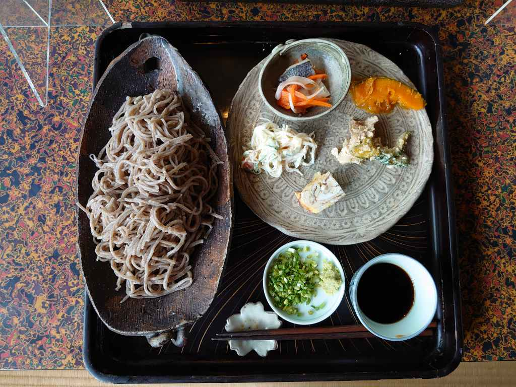 「さがいち(佐賀県佐賀市)」打ち立て蕎麦とこだわりの卵アローカナの卵焼きが美味しい