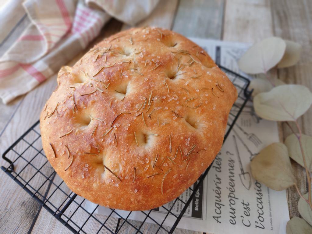 おうち時間☆レシピ本「シンプルでおいしい こねないパン」のフォカッチャを焼いてみました