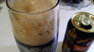 730300黒ビール泡